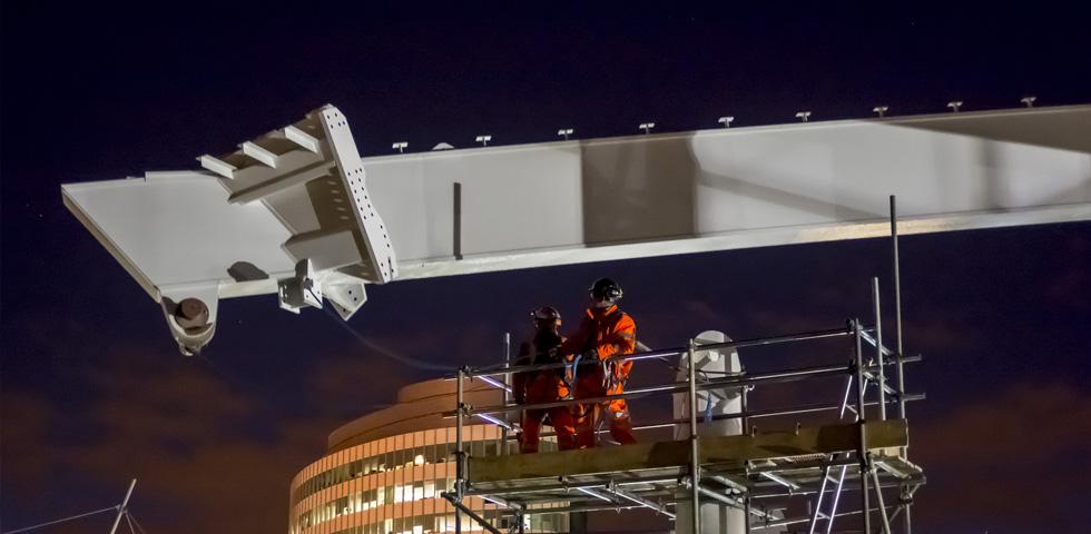 Barnshaws bietet an gebogene Profile für den Bau des Victoria Hauptbahnhofs in Manchester third image
